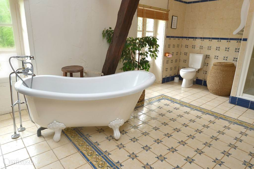 bathroom La Ferme