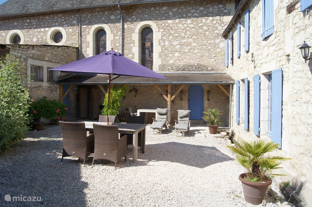 Private courtyard La Ferme