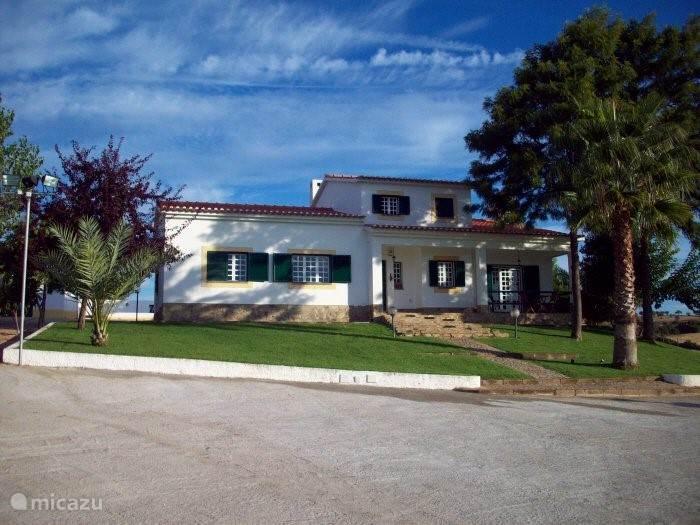 Vooraanzicht Villa Elvas Portugal