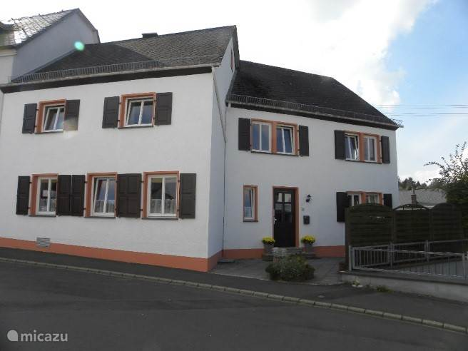 Vacation rental Germany, Eifel, Manderscheid holiday house The white lily