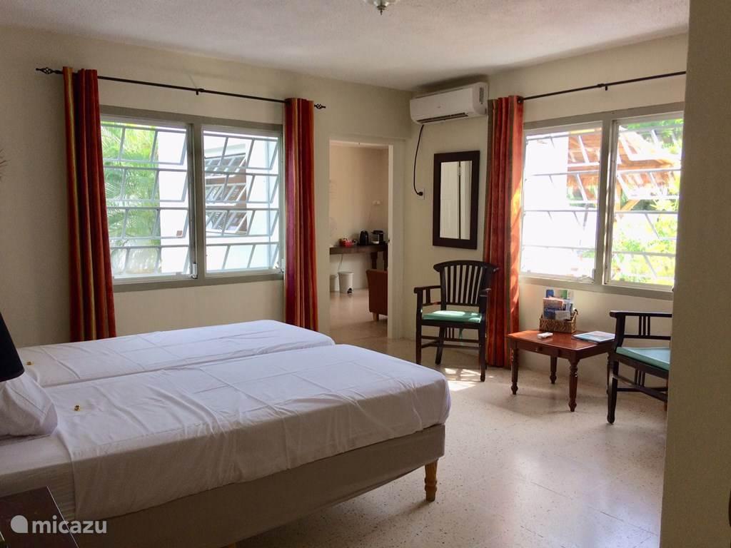 Vacation rental Curaçao, Banda Ariba (East), Cas Grandi Bed & Breakfast B&B Sombré di Kabana