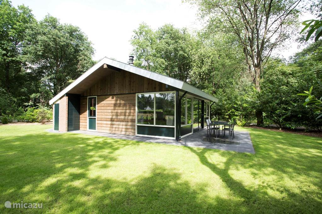 Prachtig gelegen bungalow op een ruime kavel van 980m2!