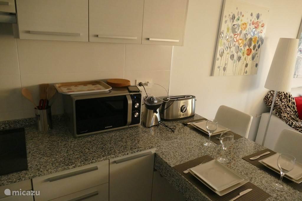 alle machines van de keuken zijn aanwezig