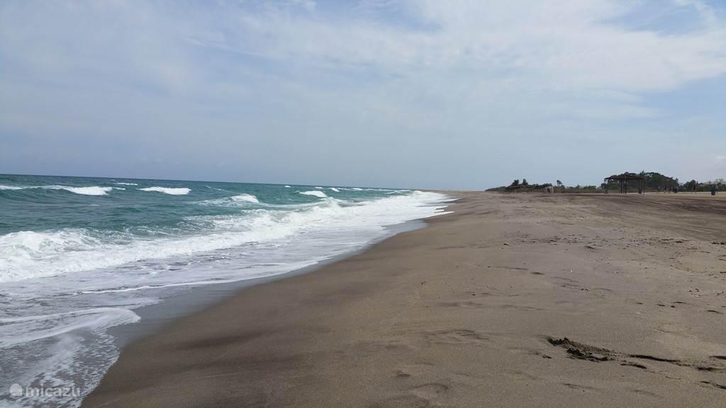 Het prachtige strand van Mojacar Playa