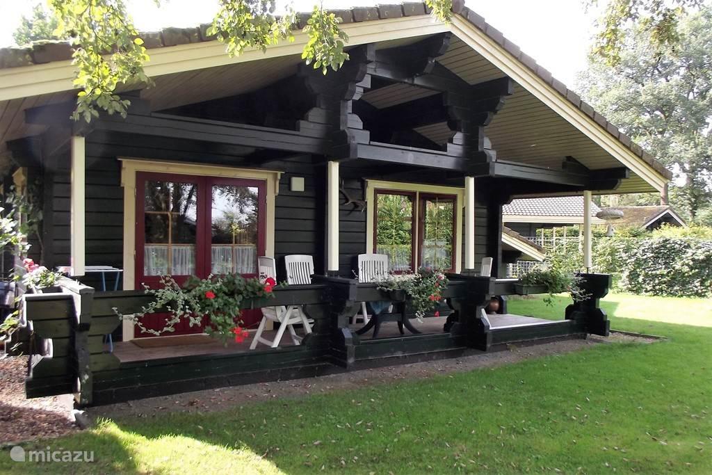 Vacation rental Netherlands, Gelderland – bungalow Pond view