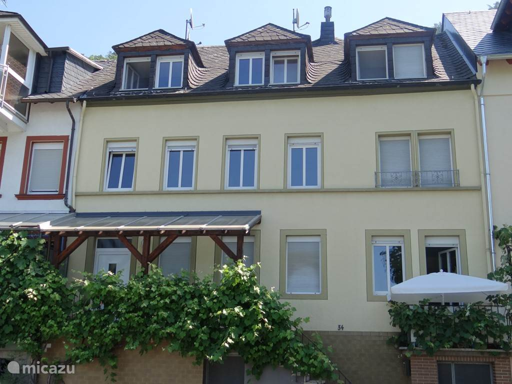 Front Haus Moselle Tin (2nd floor) and Haus Panorama (1st floor)