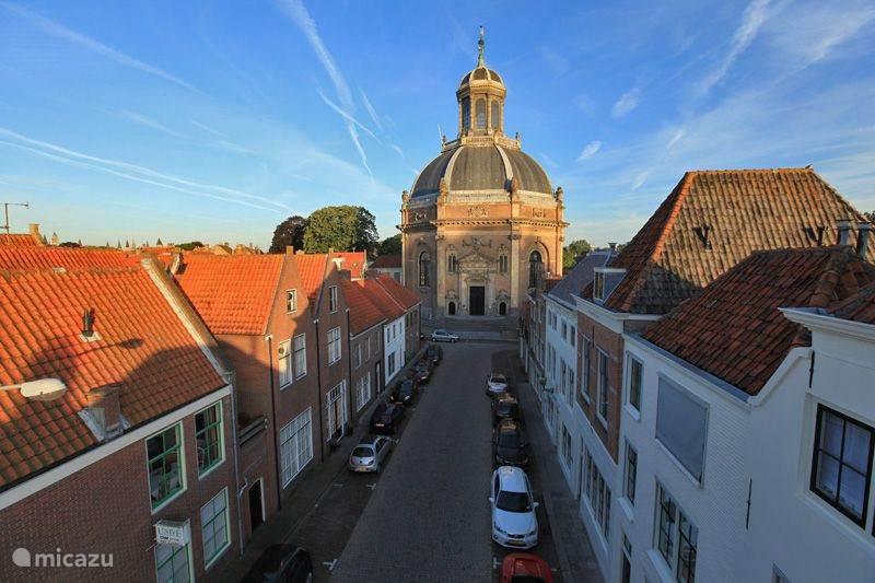 Woning gelegen op 200 meter van historische Oostkerk