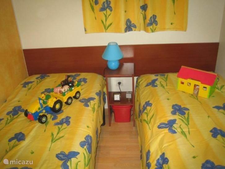 slaapkamer 2 x 1 p bed