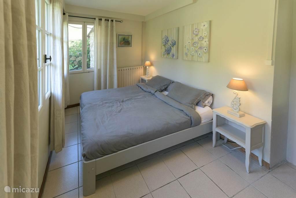 Ouderslaapkamer met bed 180x200 cm