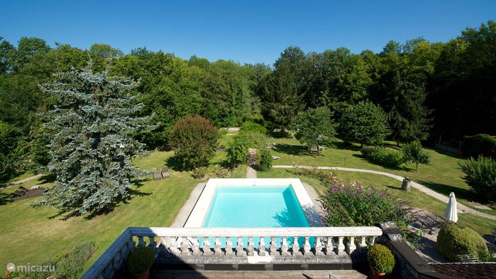 big romantic garden with swimming pool
