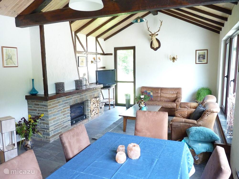 Nicely decorated livingroom with all modern comforts ( Sat TV, WiFi Woodstove etc. )