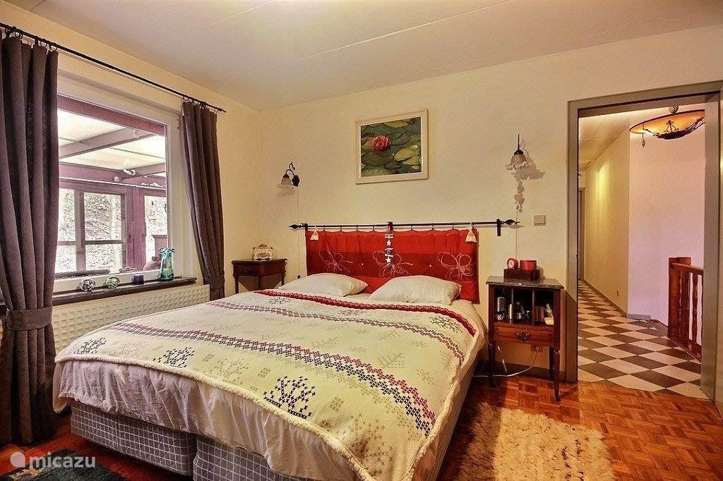 1e Slaapkamer, met lekker groot bed (180cm)