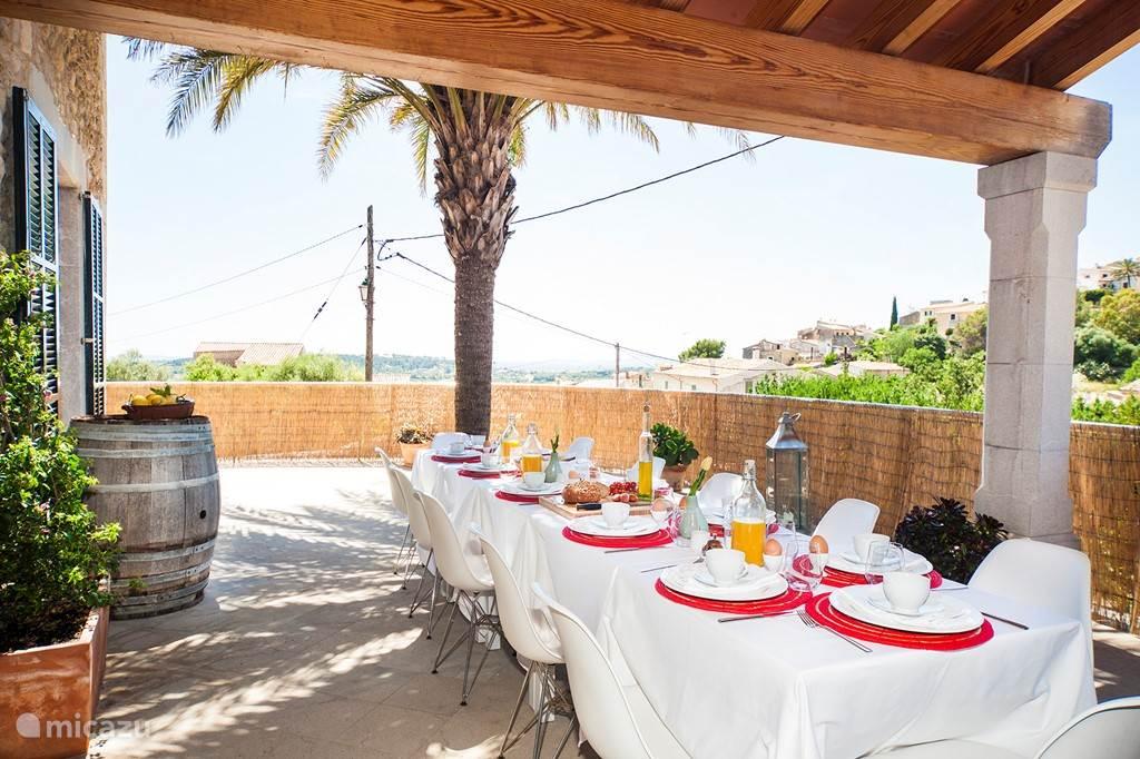 Terras naast de keuken