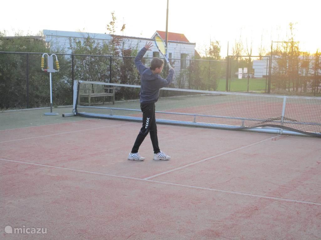 Gratis gebruik van de tennisbaan