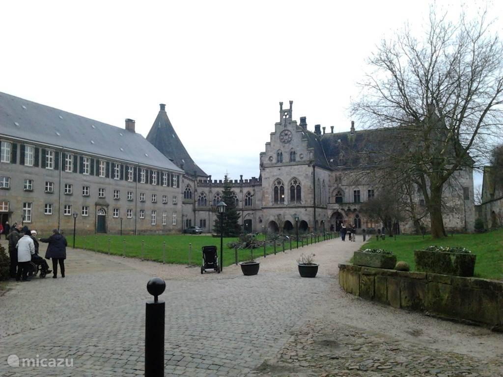 Zeker een bezoek waard is het kasteel Bentheim in Bad Bendheim.