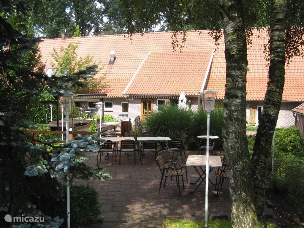 Het Café am Mühlenteich bij de watermolen.