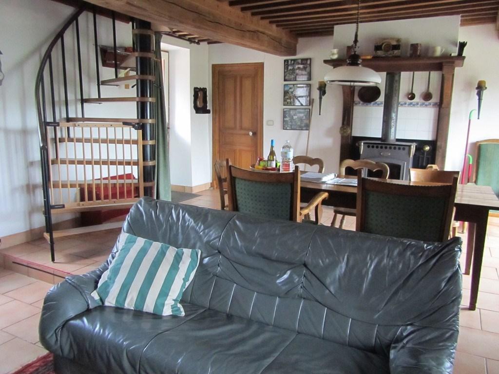 ferienhaus la jolie cottage in ouroux en morvan burgund frankreich mieten micazu. Black Bedroom Furniture Sets. Home Design Ideas