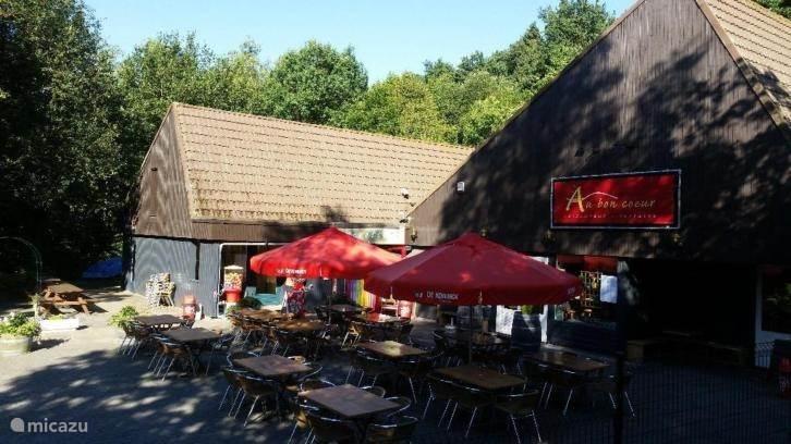 Gezellig terras met restaurant