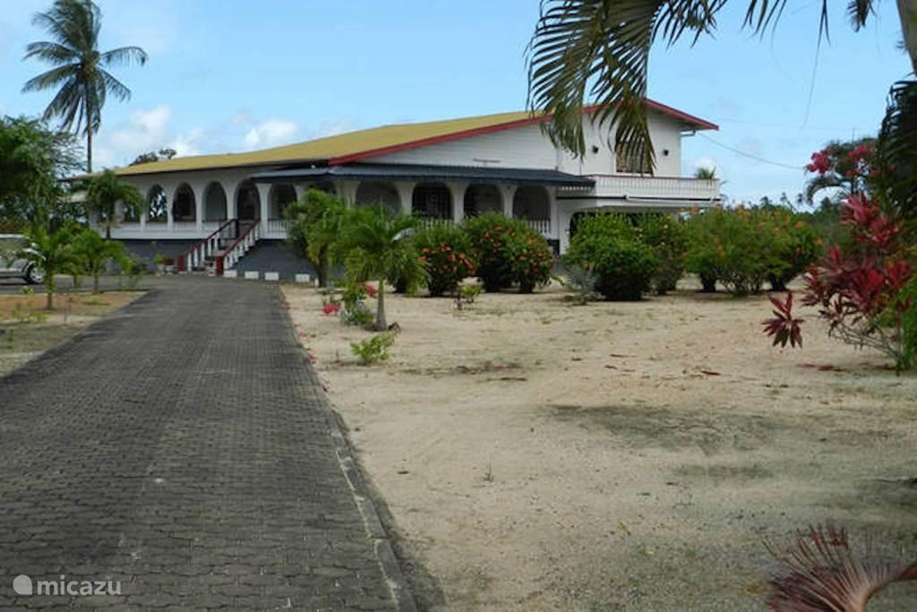 Vakantiehuis Suriname, Wanica, Leiding Landhuis / Kasteel Landhuis Papillon