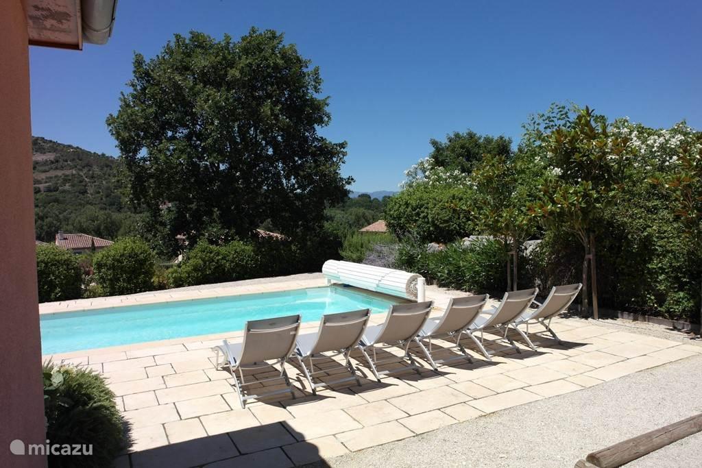 Villa du Gardon met nieuwe ligstoelen
