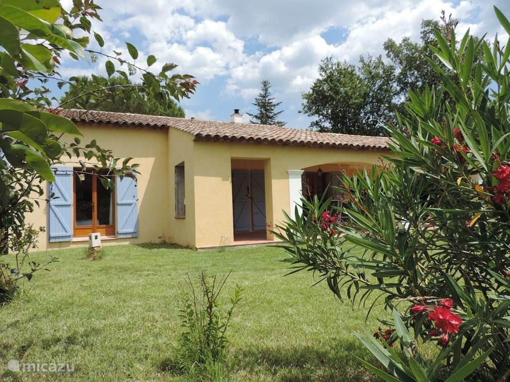 Genieten van een welverdiende vakantie in deze prachtige vrijstaande villa/bungalow.