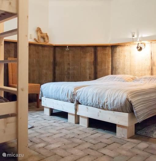 1 van de 6 slaapkamers