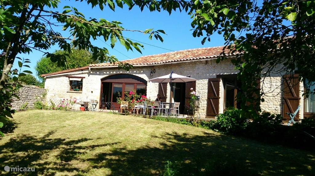 Vacation rental France, Poitou-Charentes – holiday house La Détente