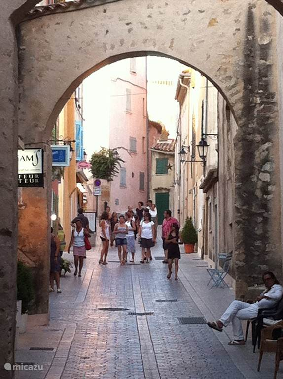 Saint Tropez is sophisticated, charming and has the spoiled tourist really much to offer