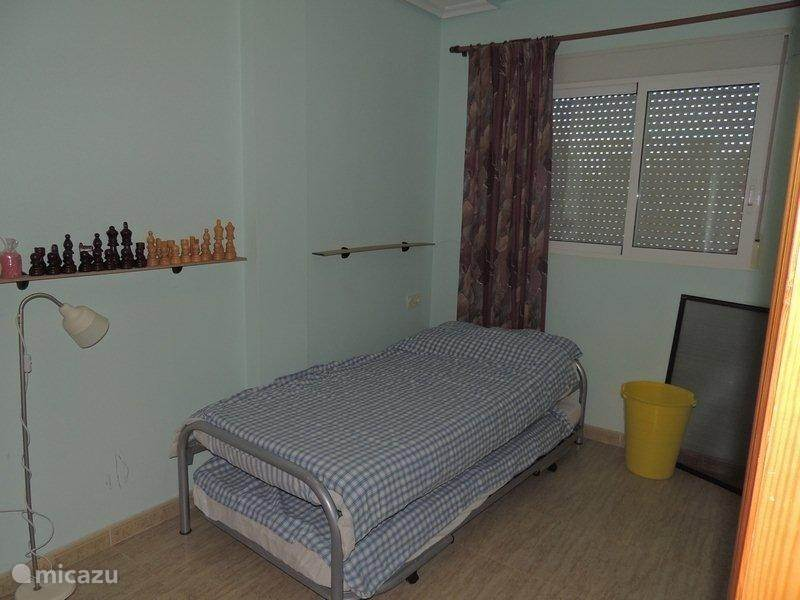 2e kamer, met 2 apparte 1 pers.  bedden.