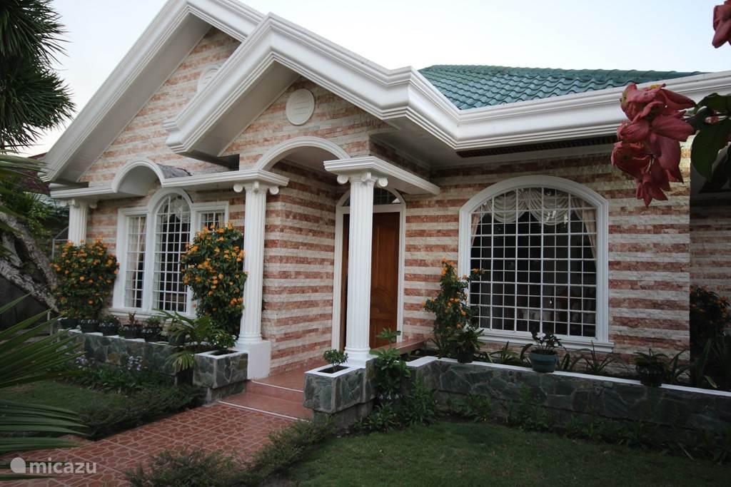 Voorkant bungalow