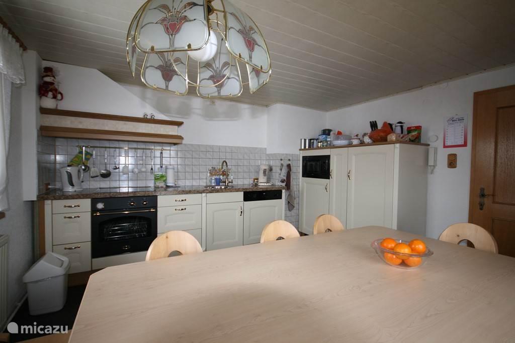 Keuken met Oostenrijkse zithoek
