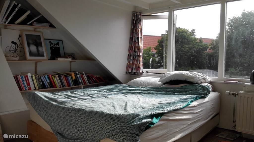 slaapkamer in de dakkapel