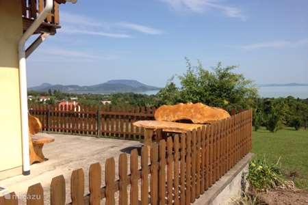 Vakantiehuis Hongarije – vakantiehuis Panoramahuis aan het Balatonmeer
