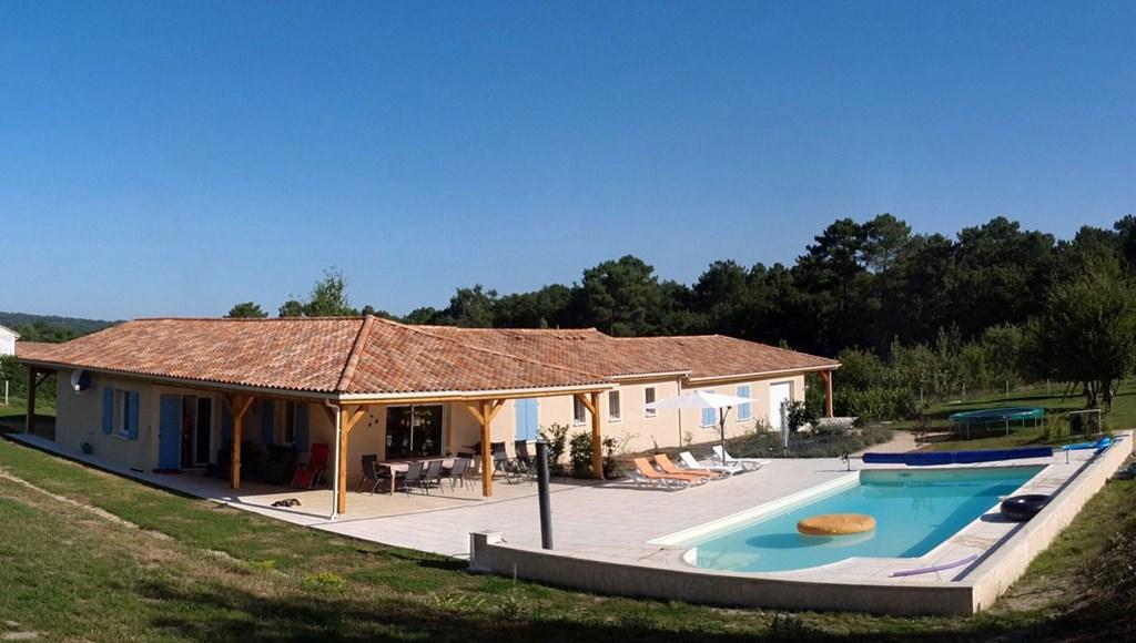 Van 30 juni tot 7 juli genieten in uw privé villa met zwembad voor slechts € 1.000,-- Kom genieten,