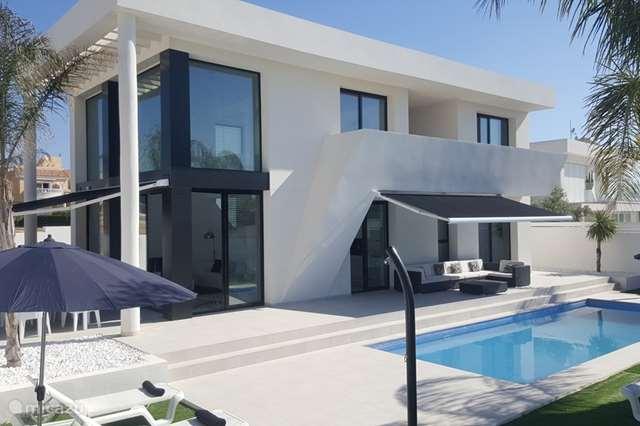 Vacation rental Spain – villa Villa Blanca de las Palmeras