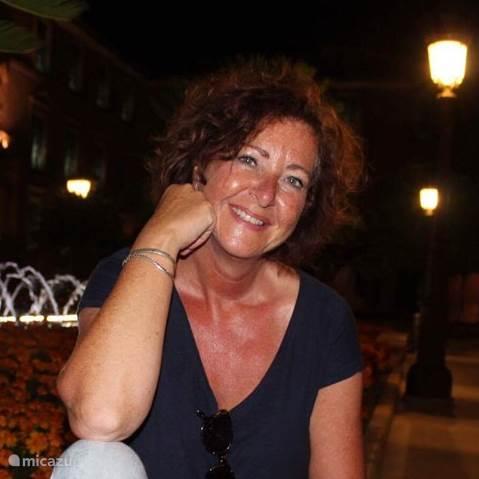 Elizabeth  Tigchelaar