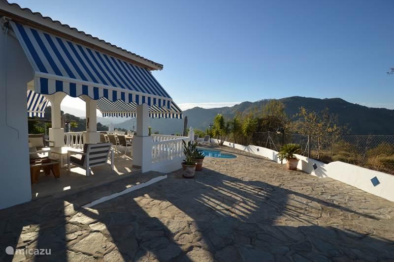 Vakantiehuis Spanje, Costa del Sol, Comares Villa Villa Casa Blanca met gastenverblijf