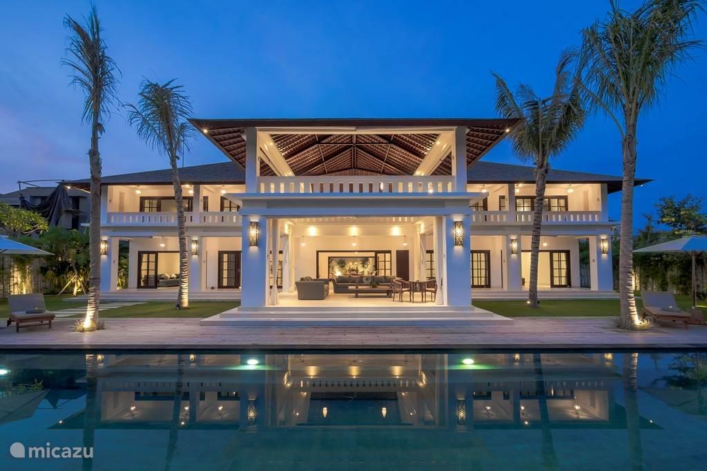 Vacation rental Indonesia, Bali, Seminyak villa Villa Tjitrap