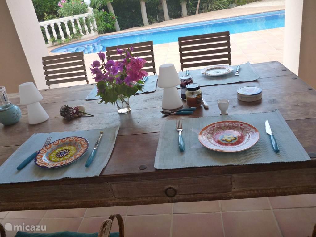 tafel naya