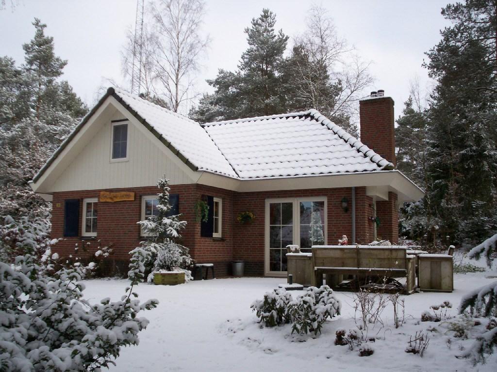 10% korting op huur tot eind dec of bv Kerst in deze fantastische luxe 14 pers. bosvilla in beekbergen!  van 22 tm 27 dec slechts € 1065,00 all Inn.
