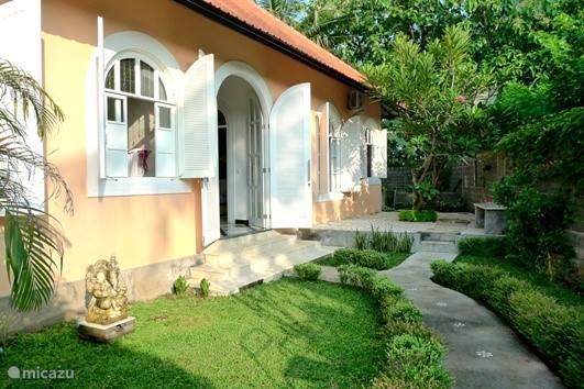 back villa