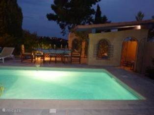 illuminated swimming pool