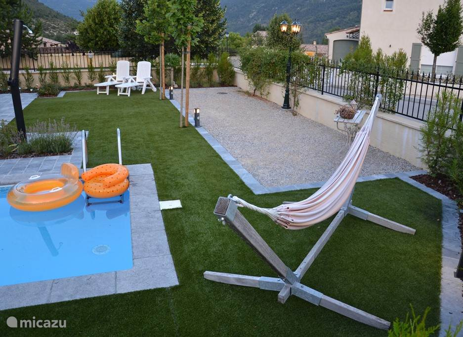The hammock, deckchairs and jeu de boules area are at your disposal.