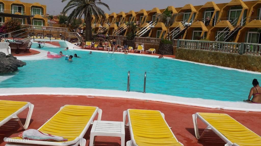 Zwembad 2 min van complex
