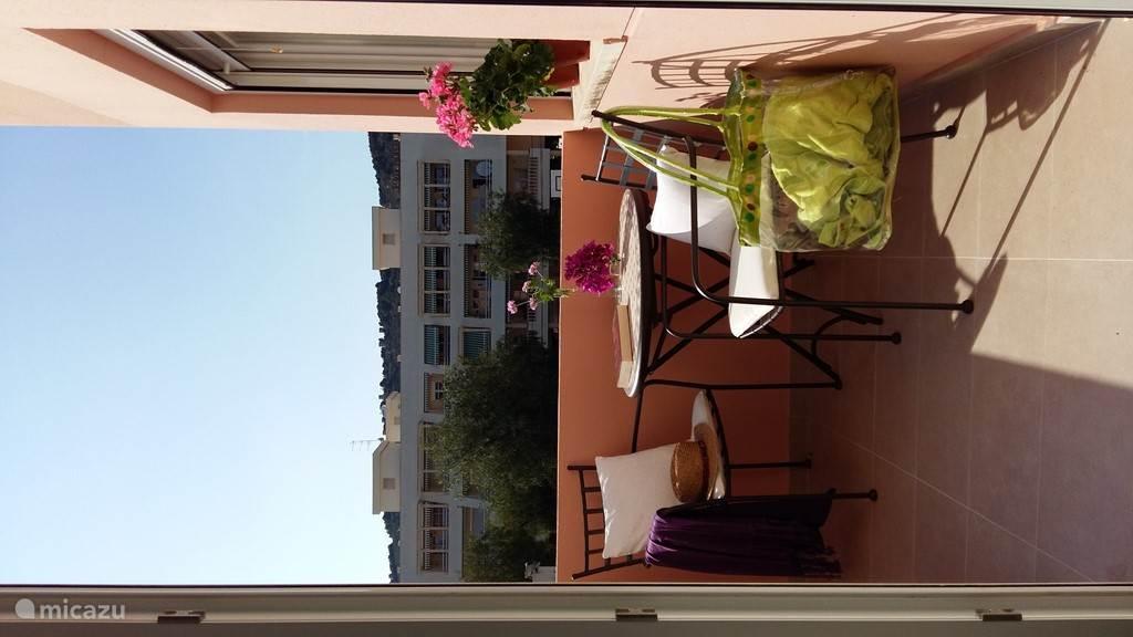 terrasje met de middag zon
