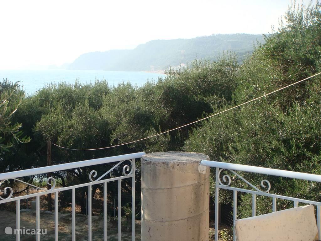 Uitzicht van het bovenbalkon.