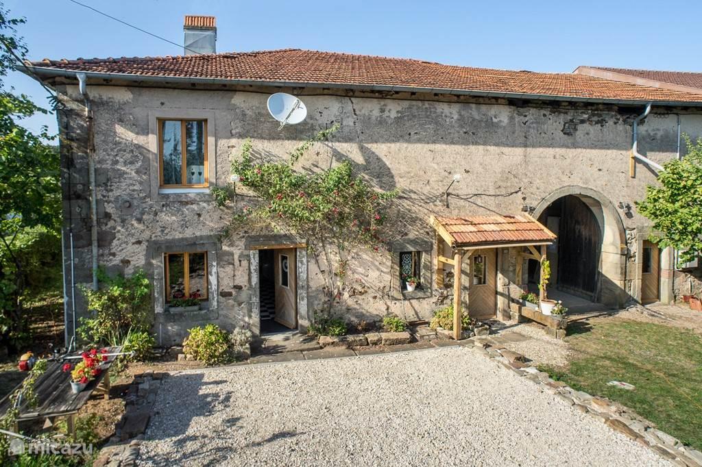 Vakantiehuis Frankrijk, Vogezen, Tignécourt - boerderij Flabemont
