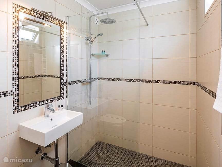 Bathroom ensuite Master bedroom