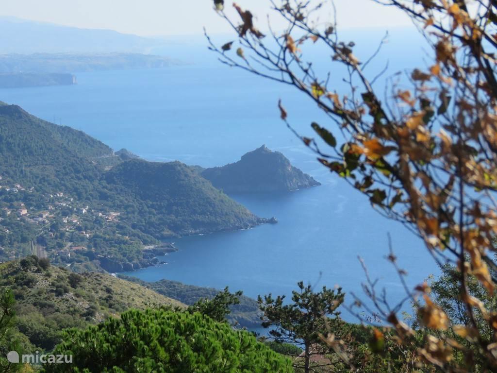 beeld van de kust nabij casa vista mare