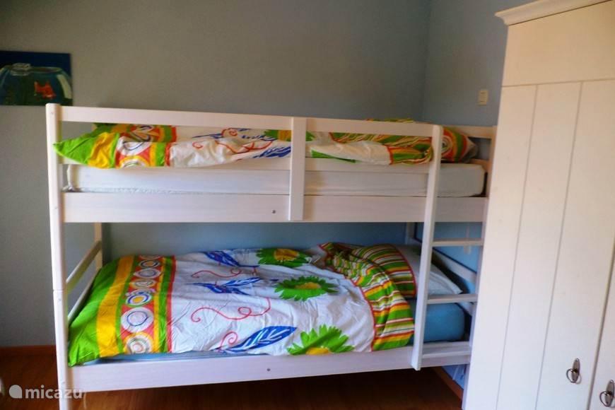 Slaapkamer met stappelbed